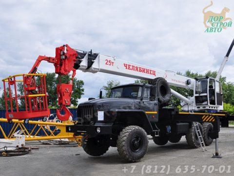 КС-55732-21 с люлькой на шасси Урал