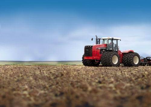 Трактор от Ростсельмаш RSM 3535
