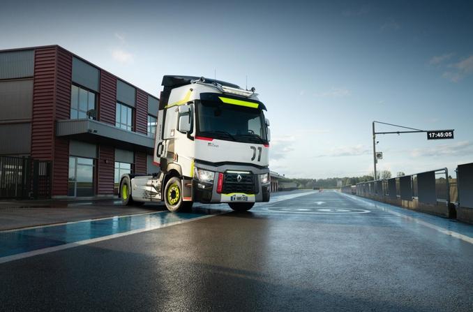 новый грузовик Renault